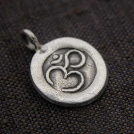Wholesale sterling silver om pendant.